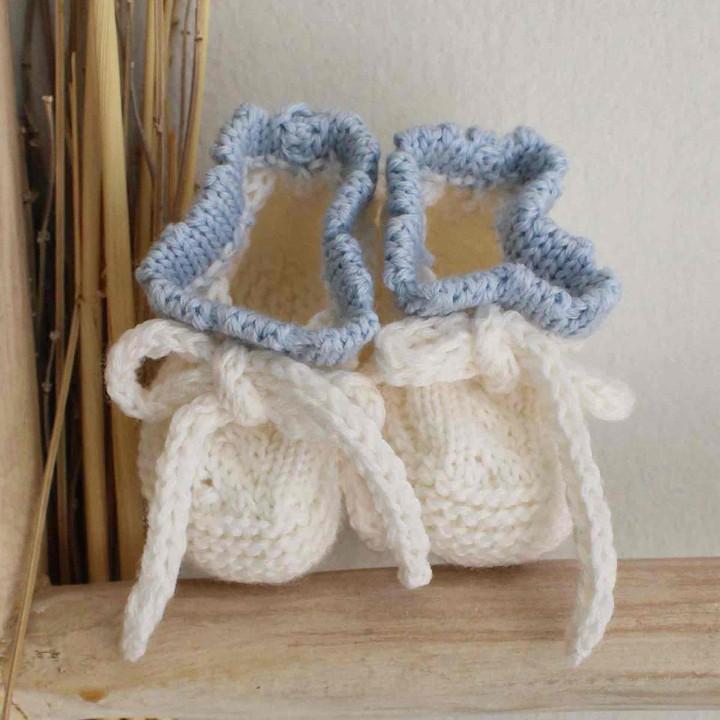 Botinhas em lã biológica com vivo