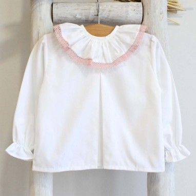 Frilly collar shirt with lace trim