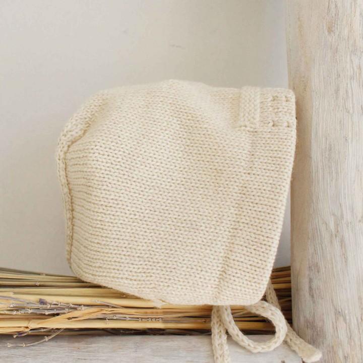 Touca em lã com pormenores
