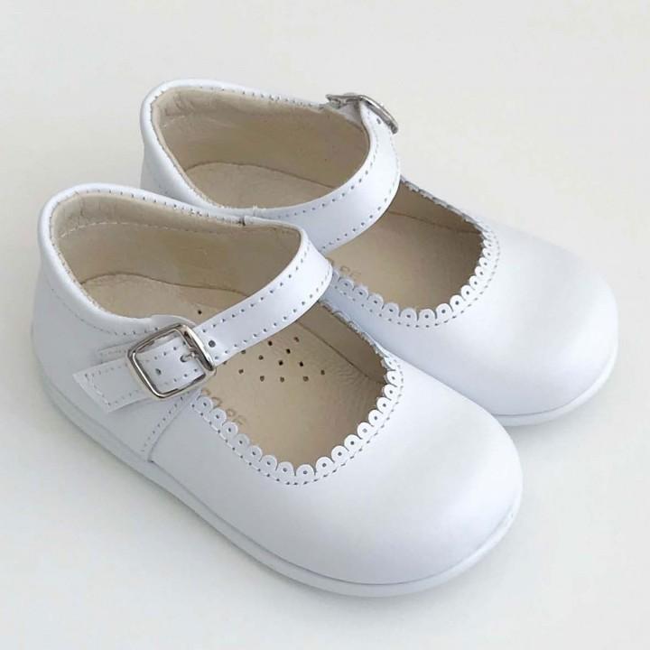 Sapatos Brancos com sola flexível