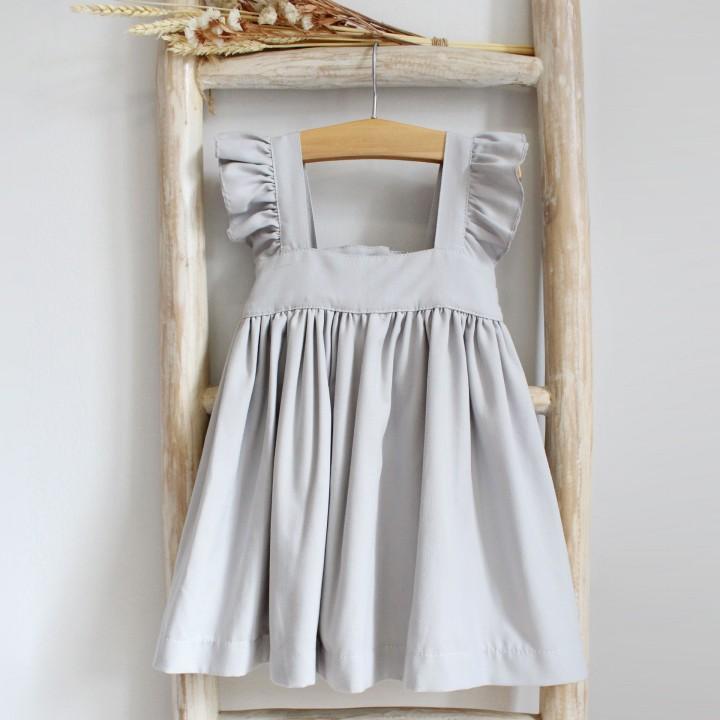 Vestido cinzento