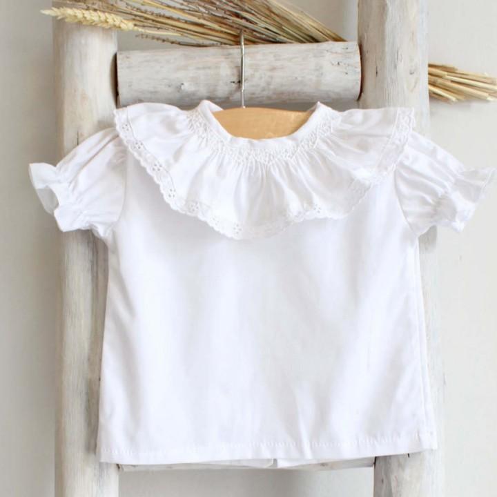 Camisa bordada à mão