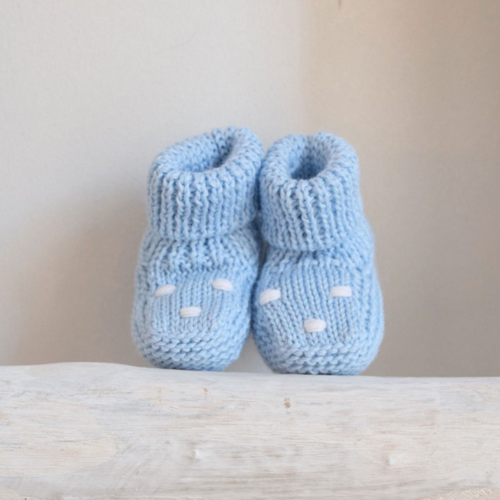 Booties with dots