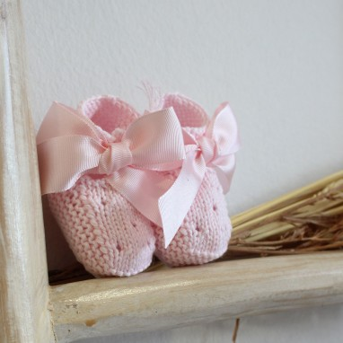 Booties with bow