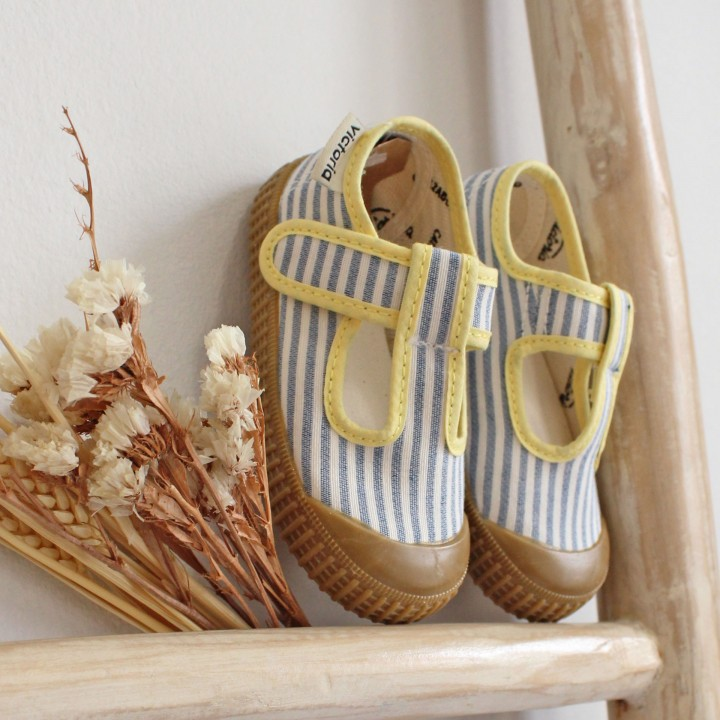Washed Canvas Shoes