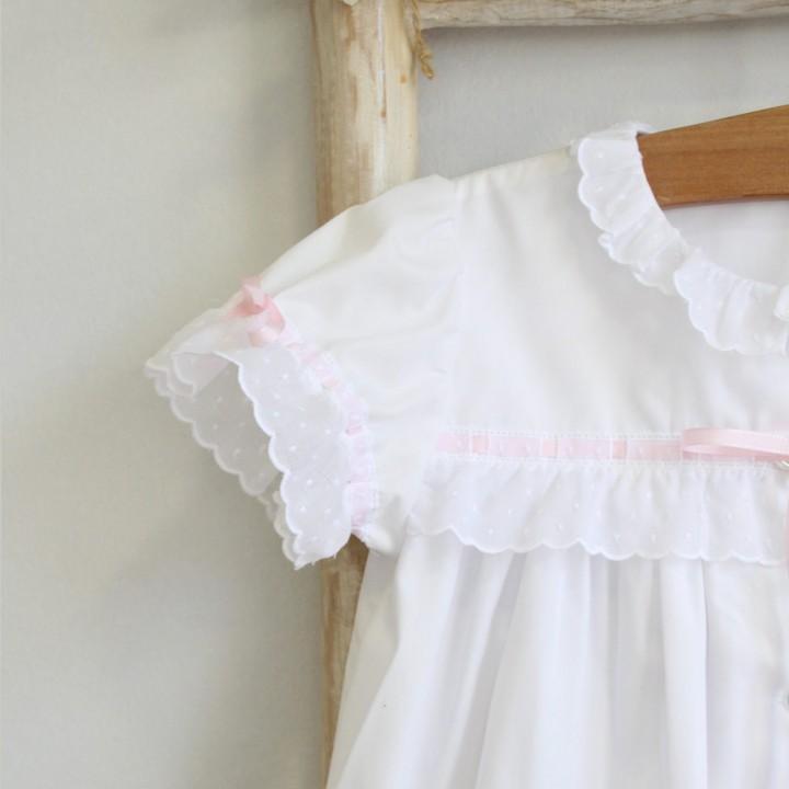 Robe branco com bordado inglês