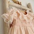 Vestido rosa bordado à mão