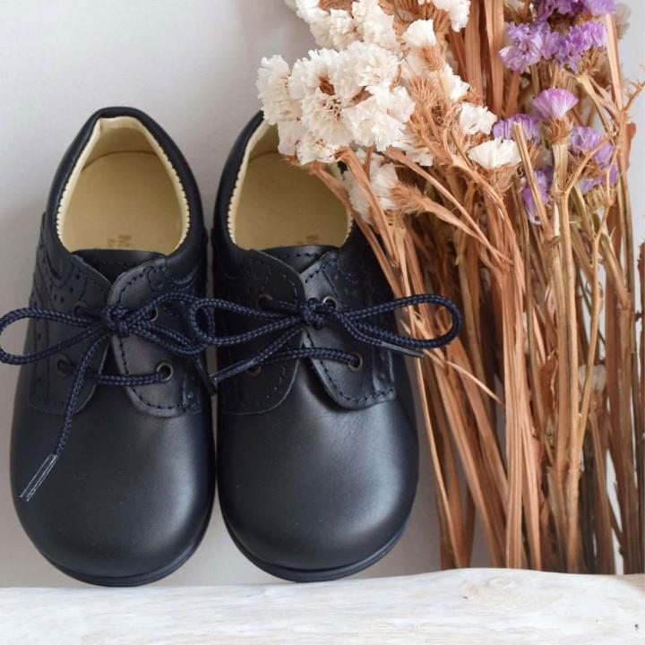Sapatos Azul Escuro com atacadores